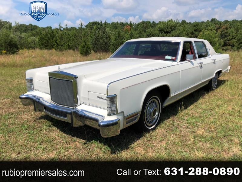Lincoln Continental 4dr Sdn w/Luxury Appearance 1979