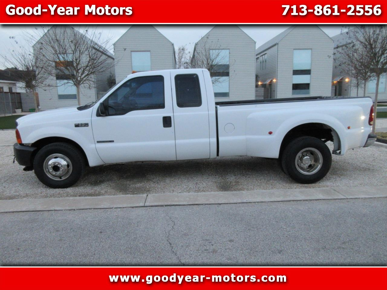 2001 Ford F-350 SD XL SuperCab 2WD DRW