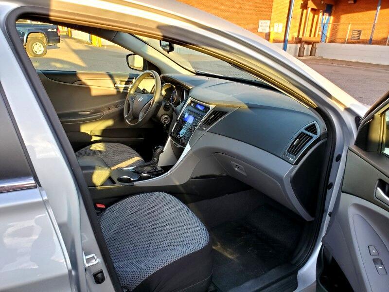 2012 Hyundai Sonata GLS Manual