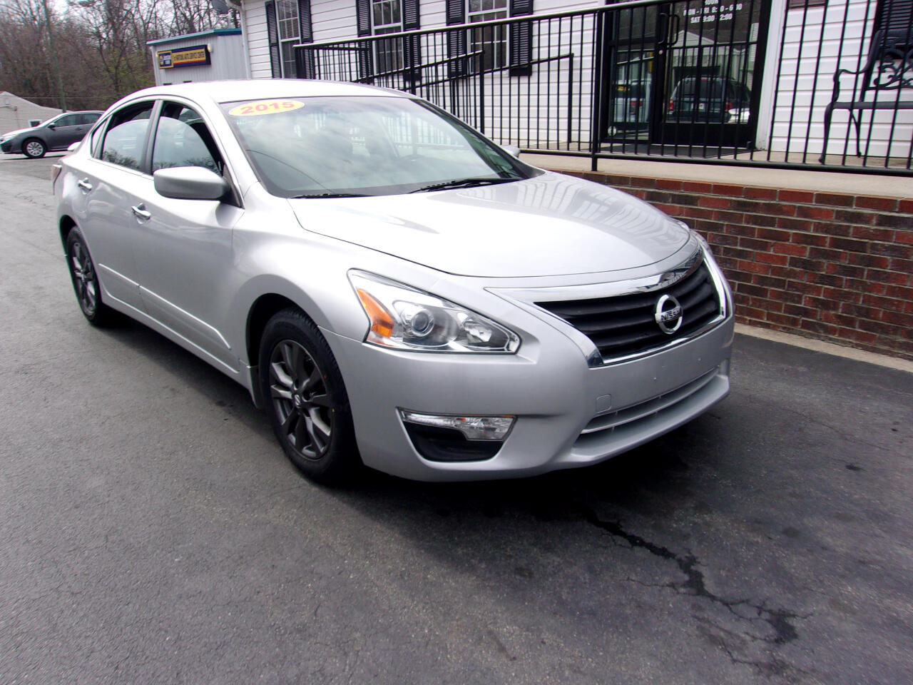 Nissan Altima 4dr Sdn I4 2.5 S 2015