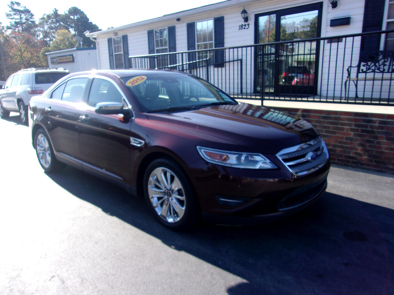 Ford Taurus 4dr Sdn Limited FWD 2012