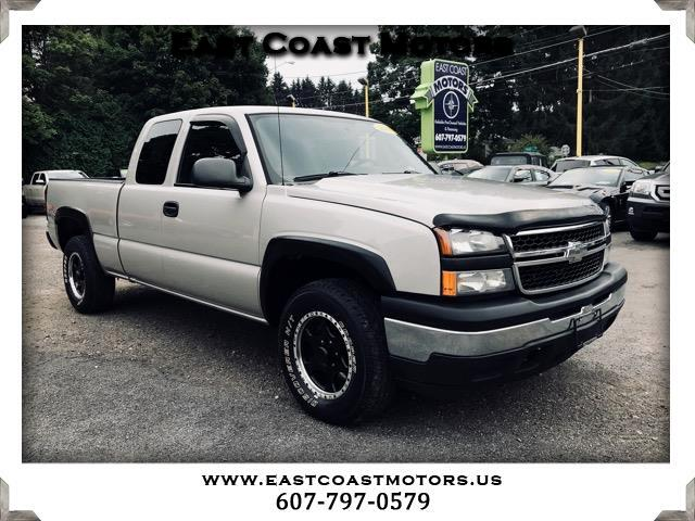 2007 Chevrolet Silverado Classic 1500 Work Truck Ext. Cab 4WD