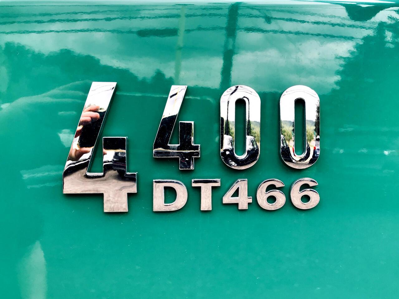 2003 International 4400