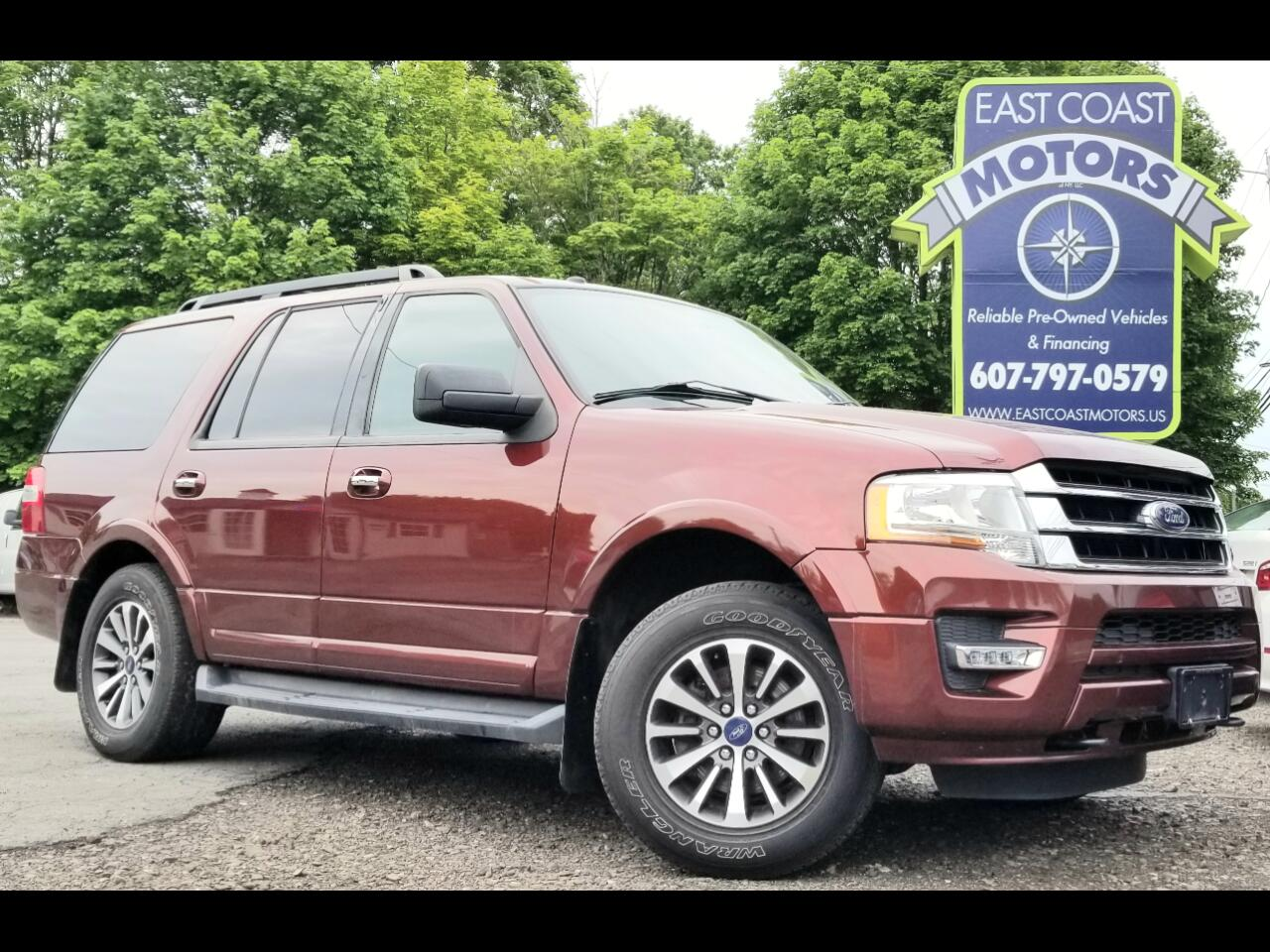 """2015 Ford Expedition 119"""" WB XLT 4WD"""