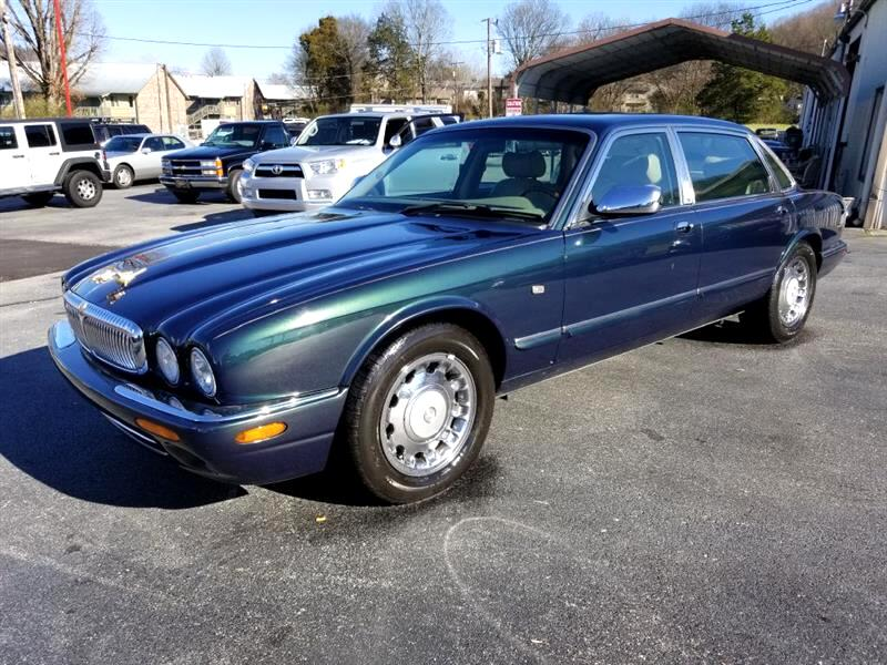 2000 Jaguar XJ Sedan Vanden Plas