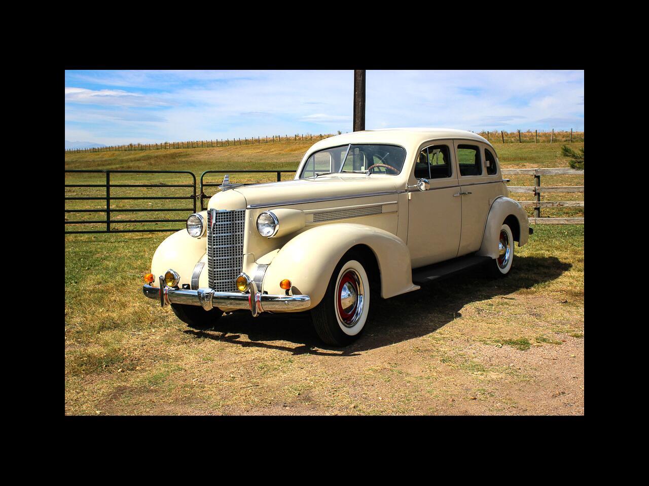 1937 Oldsmobile L-37