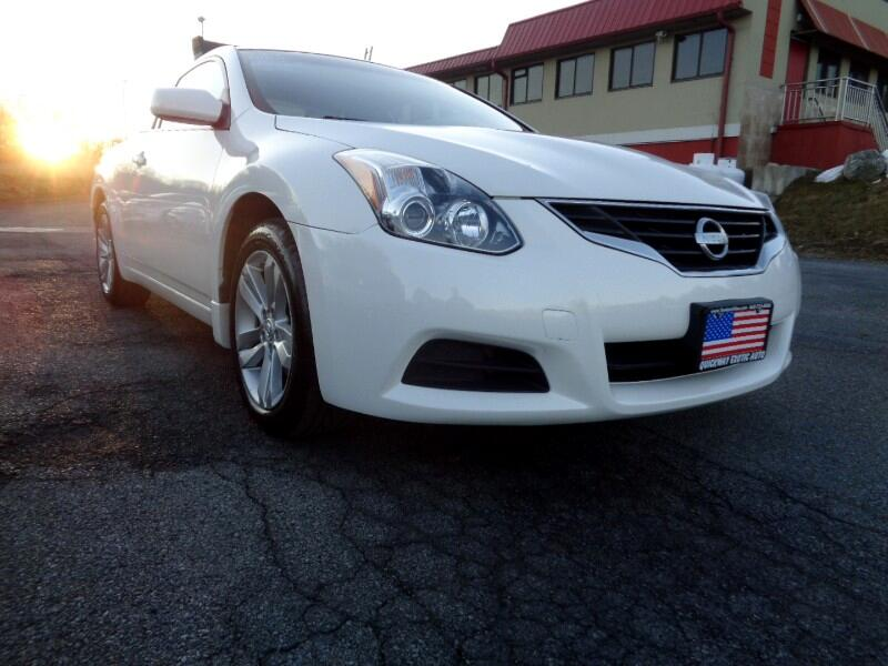 Nissan Altima 2.5 S 6M/T Coupe 2011