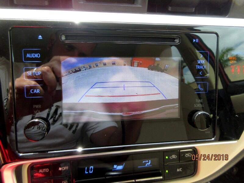 Toyota Corolla 4dr Sdn Auto LE (Natl) 2018