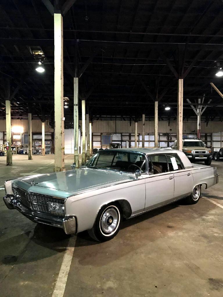 1965 Chrysler Imperial CROWN 4 DOOR