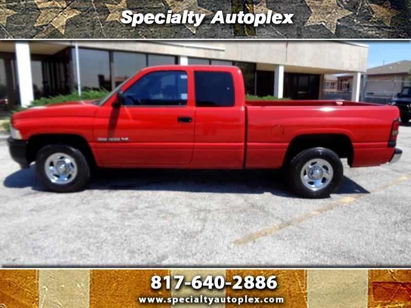 1999 Dodge Ram 1500 Club Cab Short Bed 2WD