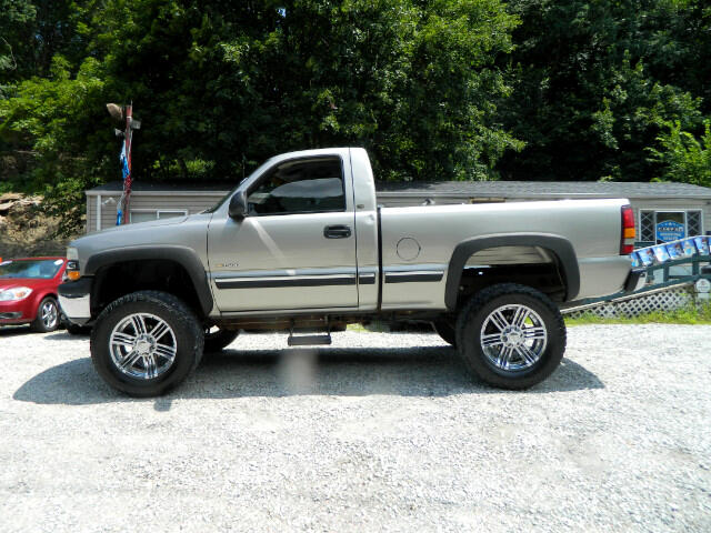 2002 Chevrolet Silverado 1500 LS Short Bed 2WD