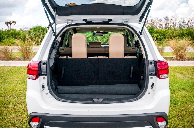 2017 Mitsubishi Outlander SE 2WD