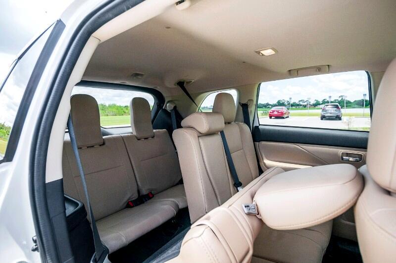 Mitsubishi Outlander SE 2WD 2017