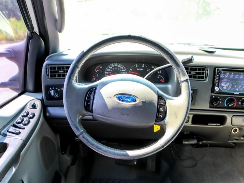 2003 Ford F-350 SD Lariat Crew Cab 4WD DRW