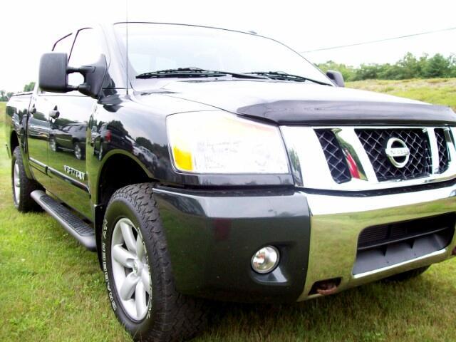 2009 Nissan Titan 4WD Crew Cab SWB SE