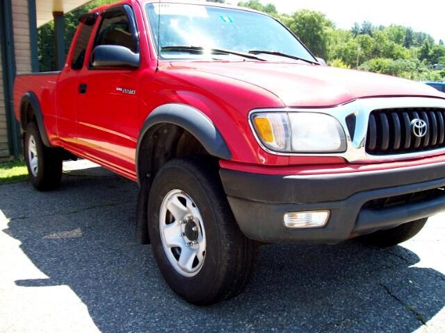 2004 Toyota Tacoma XtraCab Manual 4WD (Natl)