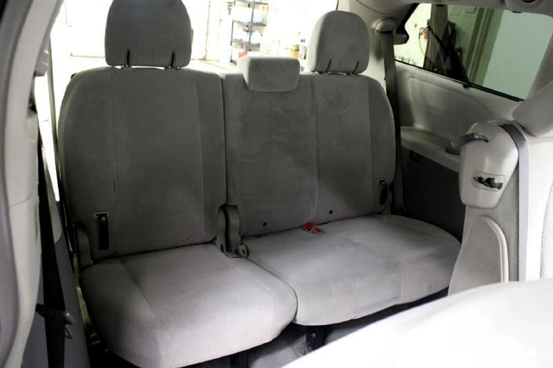 2011 Toyota Sienna LE 8-Pass V6