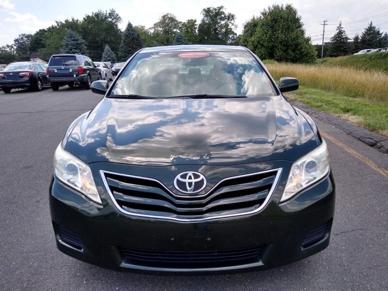 Toyota Camry SE 6-Spd MT 2010