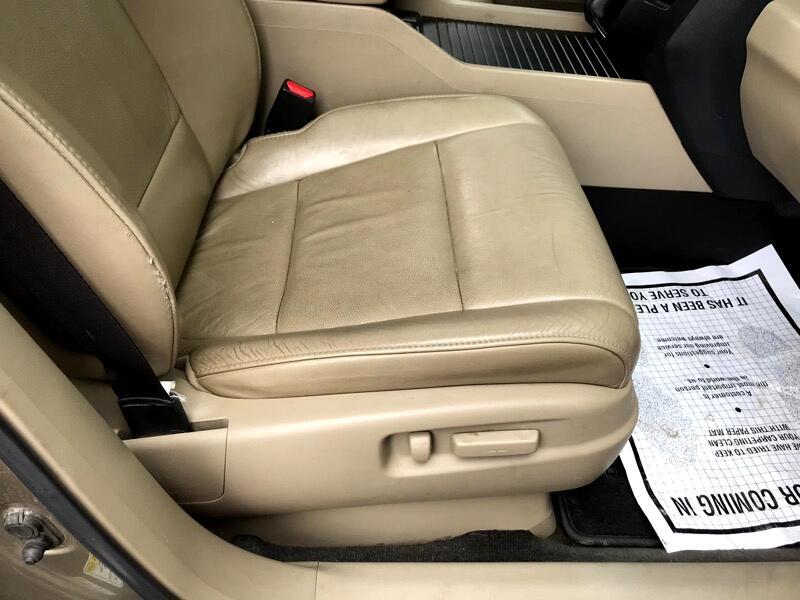 Honda Pilot EX-L 4WD 5-Spd AT 2011