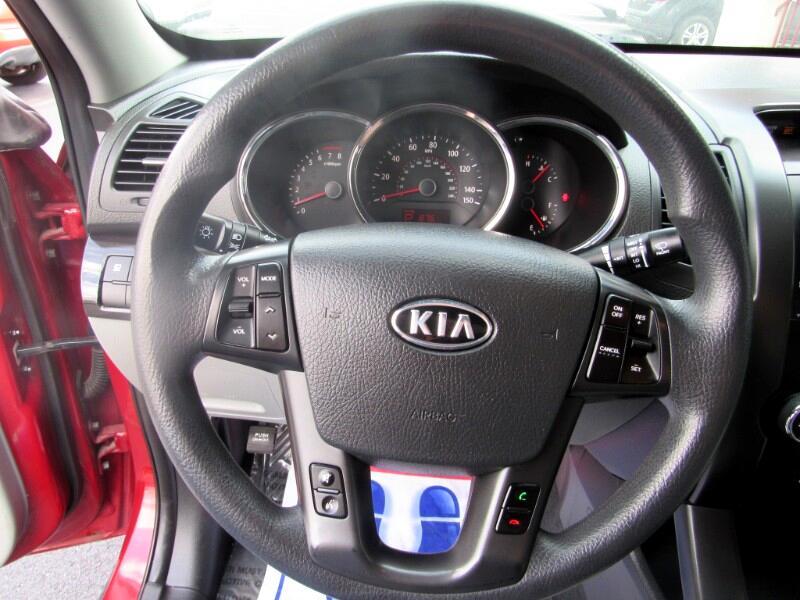 Kia Sorento LX 2WD 2011