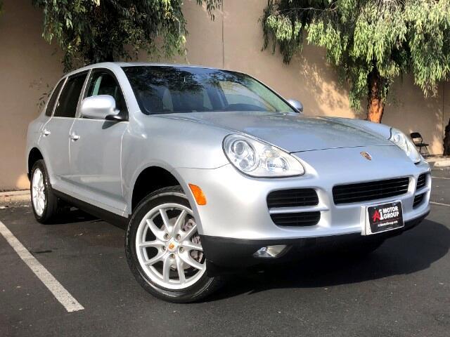 2004 Porsche Cayenne Base