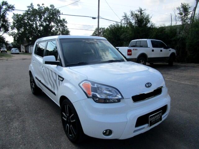 2011 Kia Soul White Tiger Edition