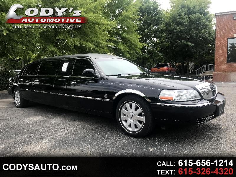2004 Lincoln Town Car Limousine