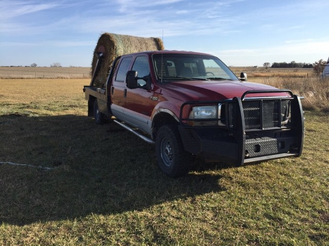 "Ford F-250 SD Crew Cab 156"" XL 4WD 2002"