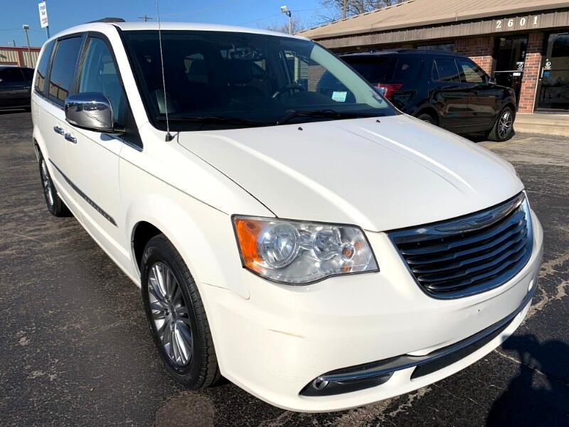Chrysler Town & Country Touring-L 2013