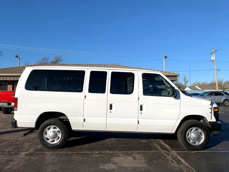 Ford Econoline E-350 Super Duty 2010
