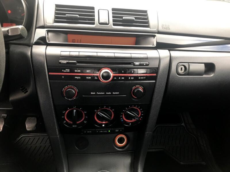 2005 Mazda MAZDA3 4dr Sdn Man i Sport