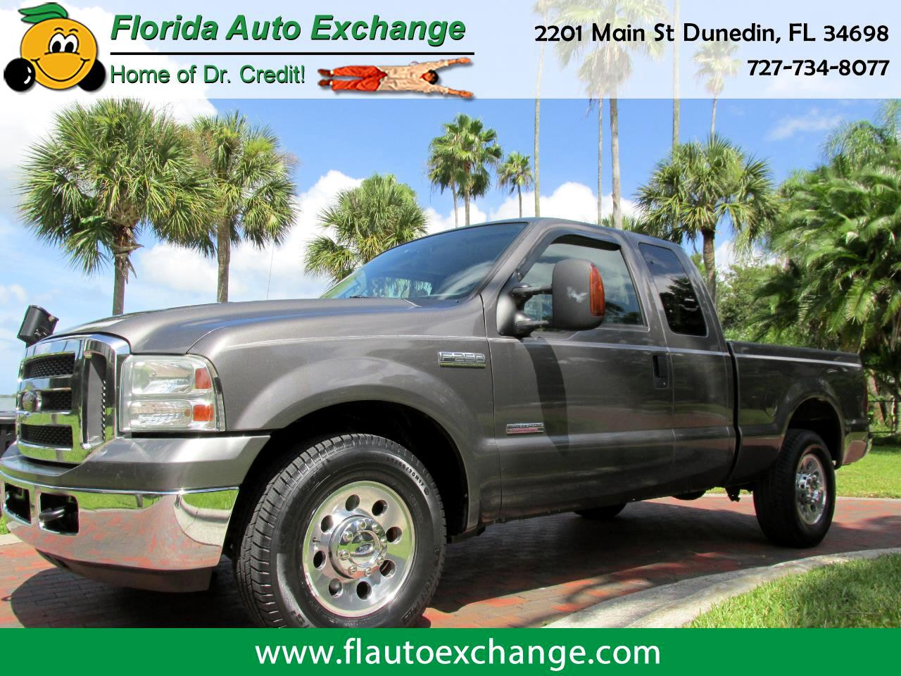 "2005 Ford F-250 SD SUPERCAB 142"" XLT"