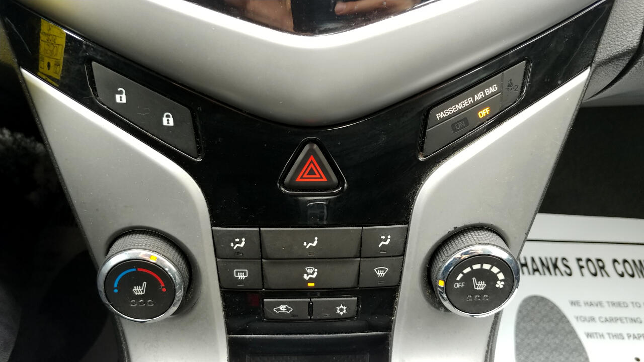 2013 Chevrolet Cruze 4dr Sdn Auto 2LT