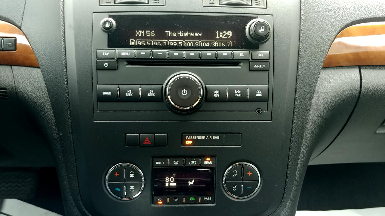 2010 Saturn Outlook FWD 4dr XR-L