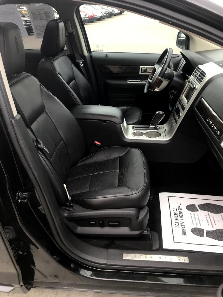 Lincoln MKX AWD 4dr 2010