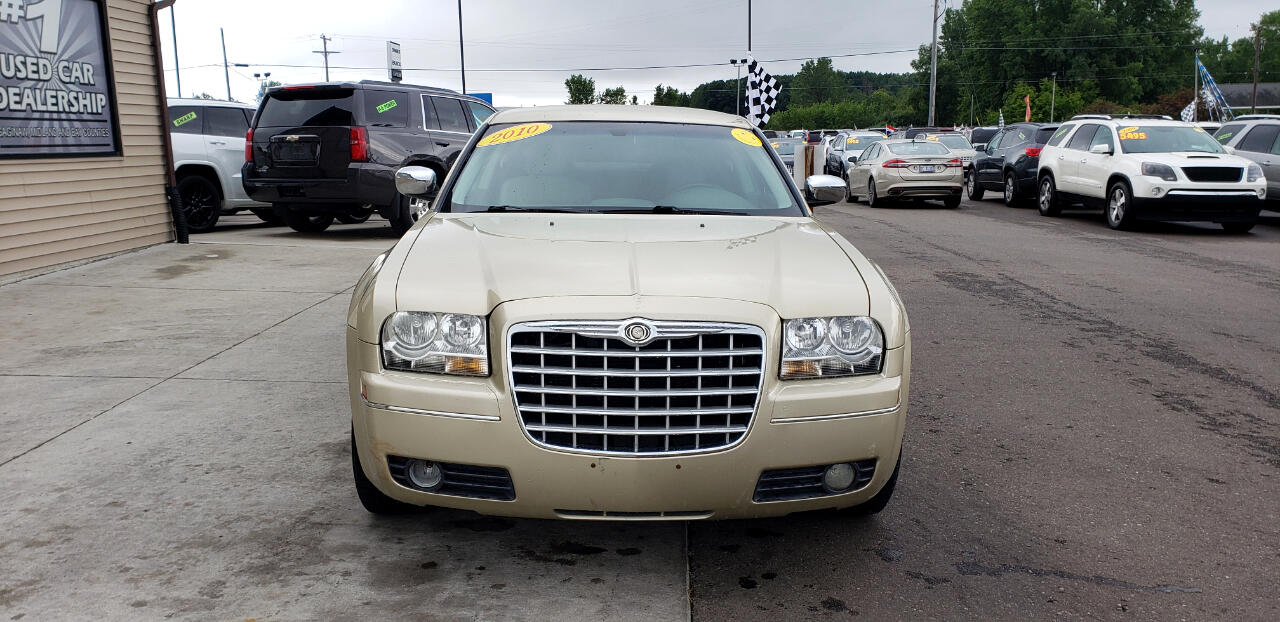 Chrysler 300 4dr Sdn Touring Signature RWD 2010