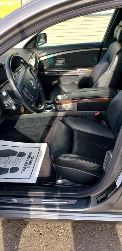 2005 BMW 7 Series 745i 4dr Sdn
