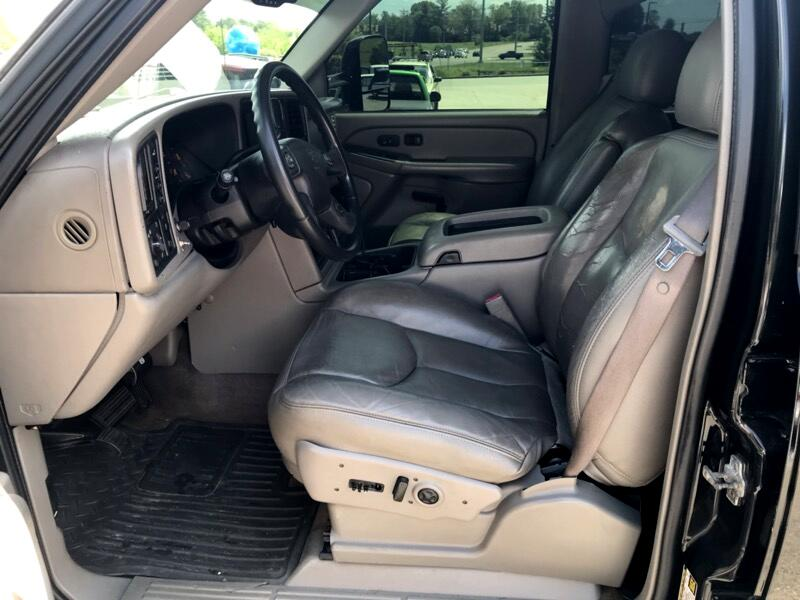 2005 Chevrolet Silverado 2500HD LT Crew Cab Short Bed 4WD