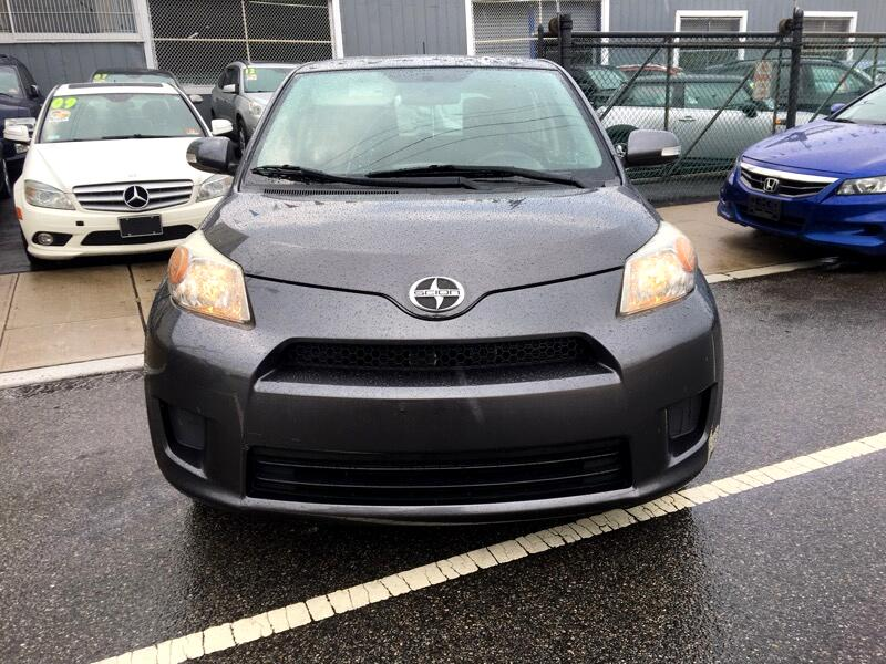 Scion xD 5-Door Hatchback 4-Spd AT 2013