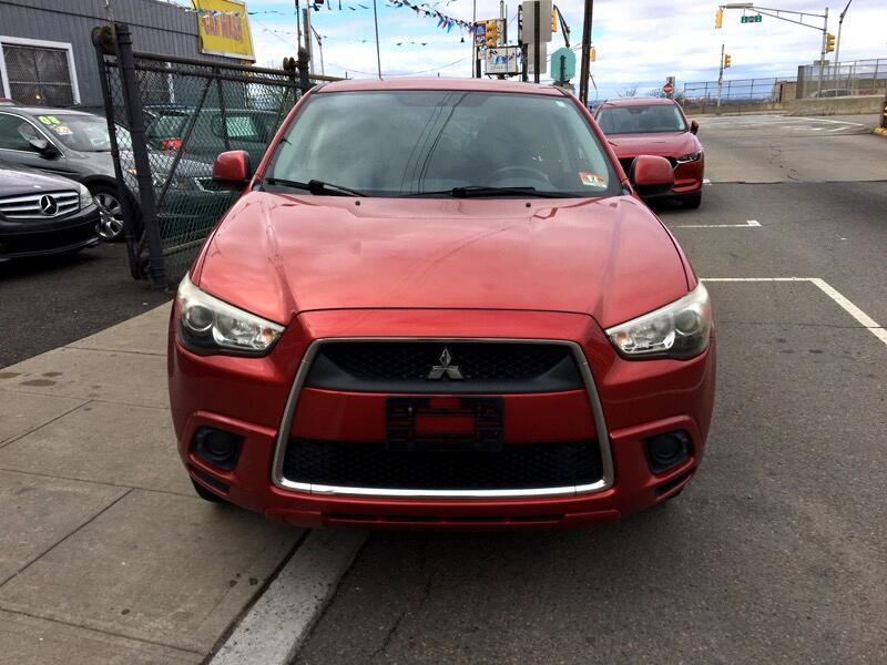 Mitsubishi Outlander Sport ES 2WD 2011