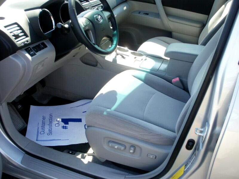 Toyota Highlander Base 4WD 2009