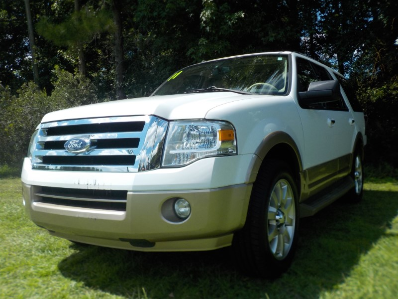 """2011 Ford Expedition 119"""" WB XLT"""