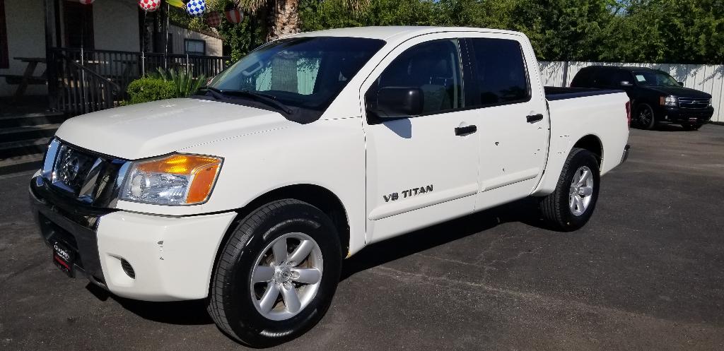 2012 Nissan Titan 2WD Crew Cab SWB SV