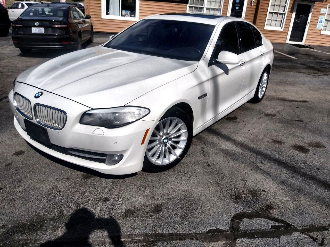 BMW 5 Series 4dr Sdn ActiveHybrid 5 RWD 2013