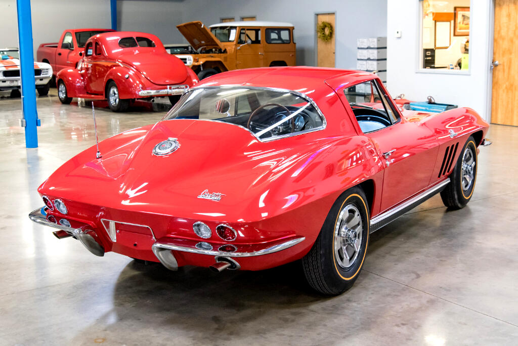 1966 Chevrolet Corvette Sting Ray  427 CID/450HP 4bbl