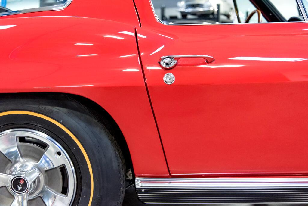1966 Chevrolet Corvette Sting Ray  427 CID/450HP 4bbl