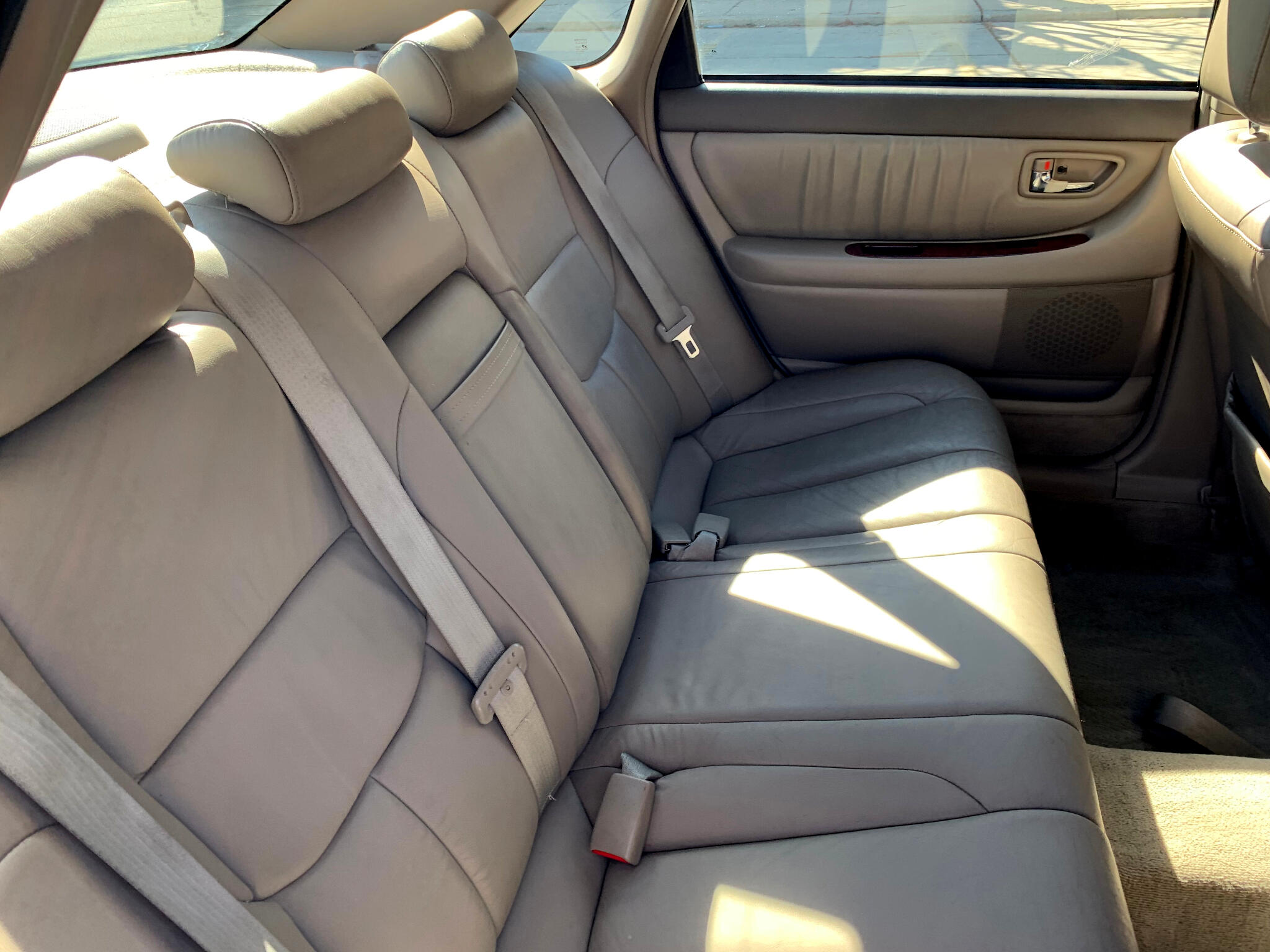 2002 Toyota Avalon 4dr Sdn XLS w/Bench Seat (Natl)