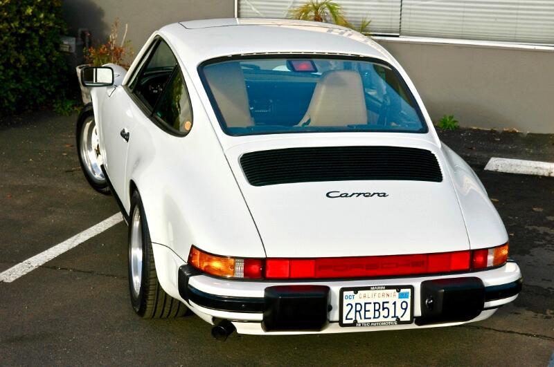 Porsche 911 Carrera  1989