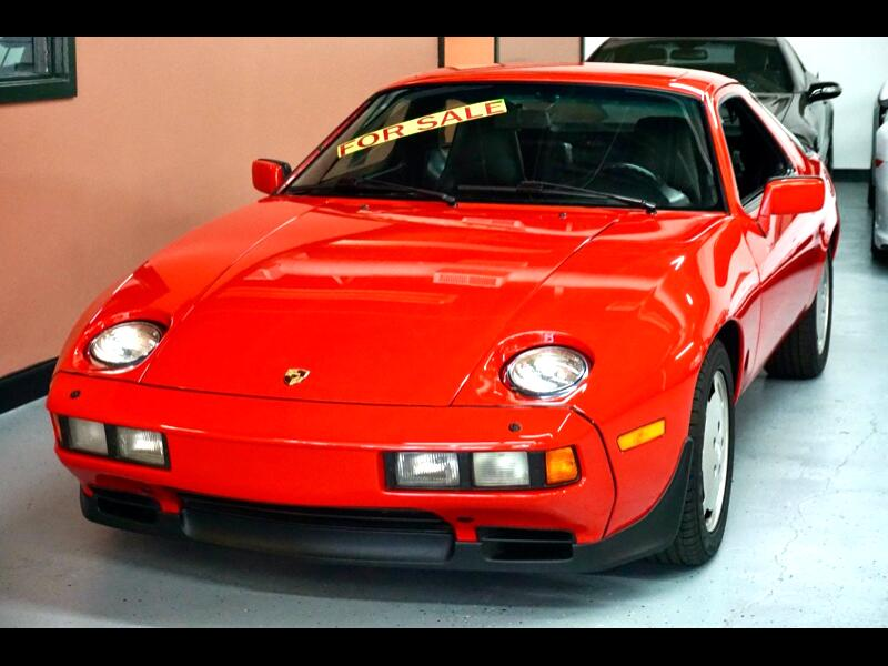 Porsche 928S 2dr Coupe 5-Spd 1986