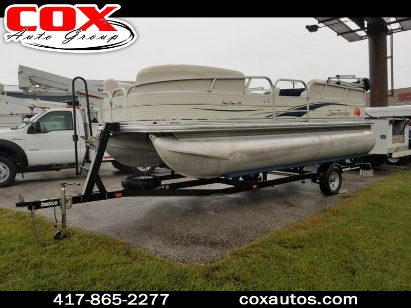 2008 Tracker Pontoon